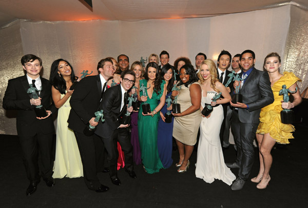 A hearty CONGRATULATIONS to the entire cast of Glee on their SAG Award